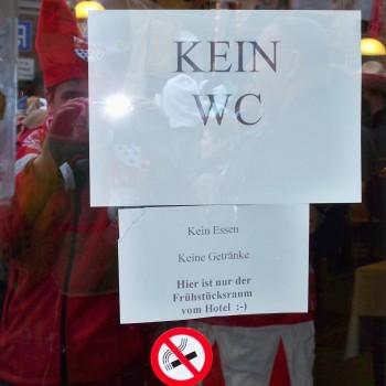 Kein WC Schild während des Kölner Karneval
