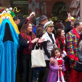 Krümelmonster Kostüm beim Karneval in Köln