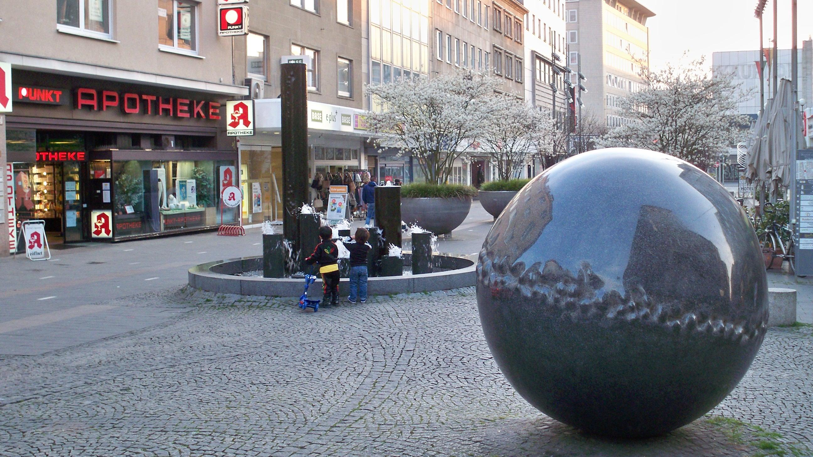 Makler M Lheim An Der Ruhr einkaufsstraße in mülheim an der ruhr thilo götze