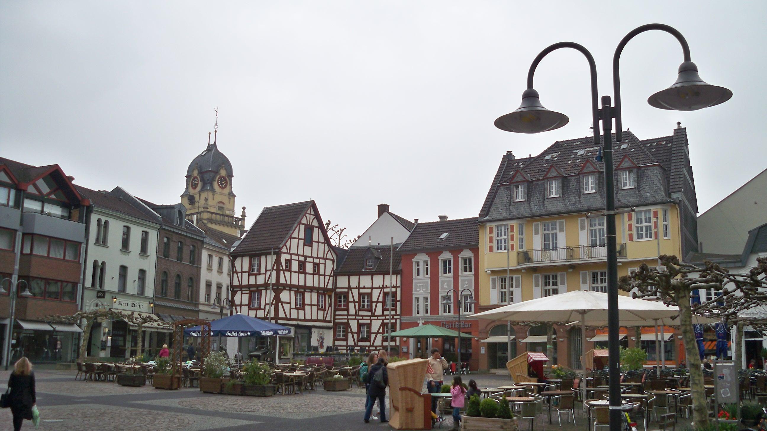 Marktplatz-in-Euskirchen-%C2%A9-Thilo-G%