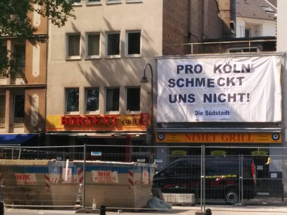 Banner gegen Pro Köln über Dönergrill © Sibylle Schmidt