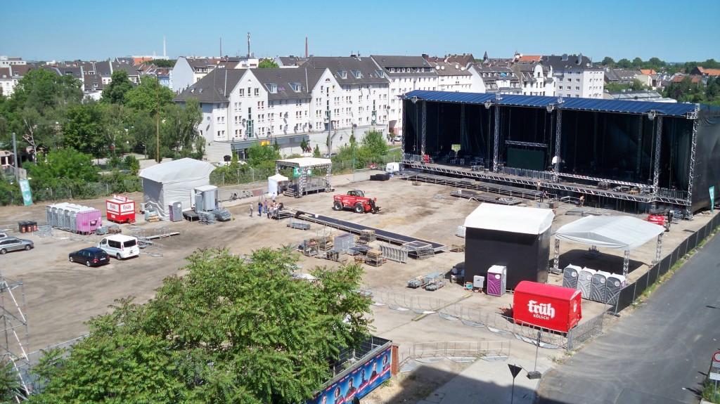 Bühne an der Schanzenstraße in Köln-Mülheim © Thilo Götze