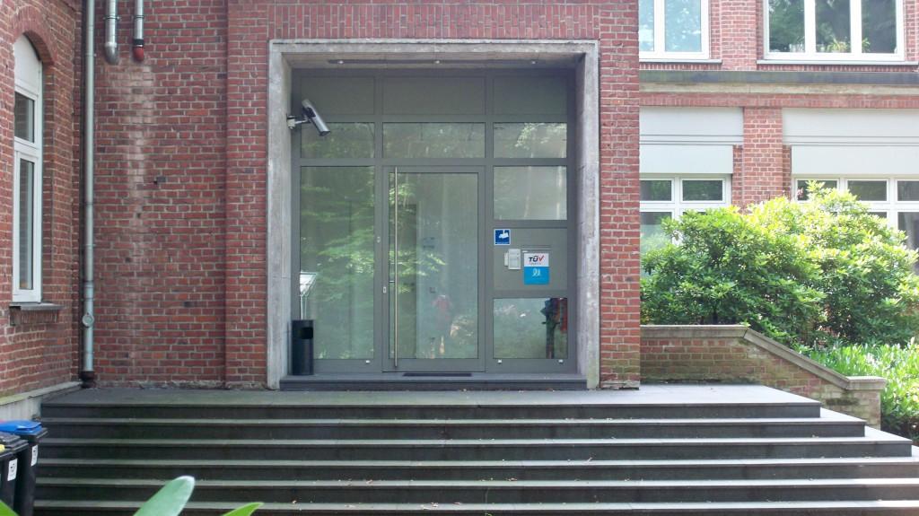 Eingang der Wache (RTL-Serie) am Drehort Dellbrück © Landesblog NRW
