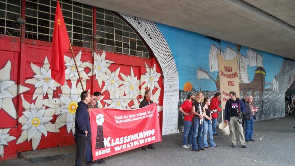Klassenkampf statt Weltkrieg ist das Motto der Himmlischen Vier © Landesblog NRW