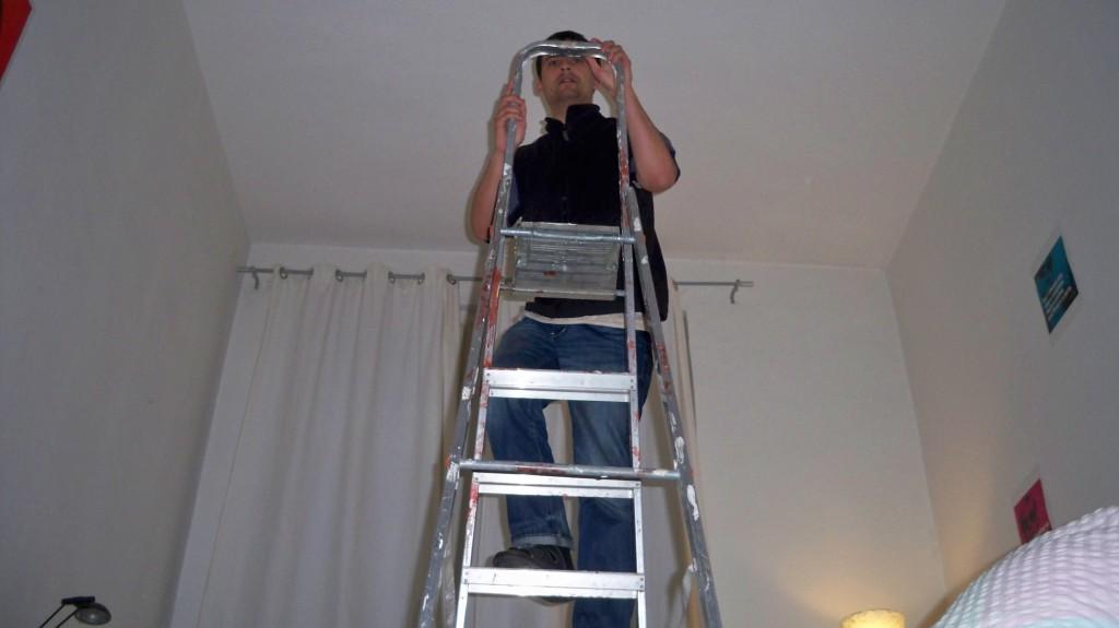 Tipps fürs Glühbirne wechseln mit Höhenangst