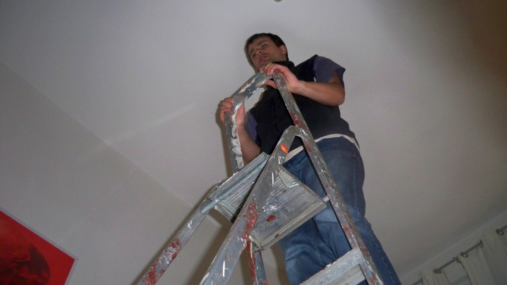 Welche Leiter um Glühbirne in 4 Meter Höhe zu wechseln