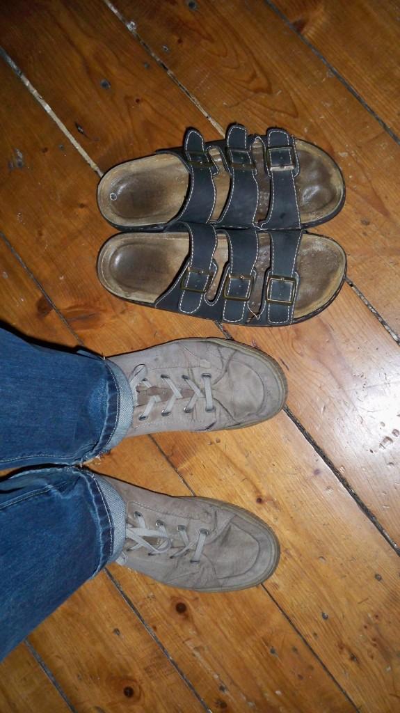 Welche Schuhe anziehen bei Glühbirne wechseln © Landesblog NRW