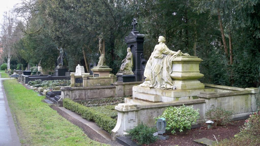 Gräber auf Hwg Hauptweg Melaten Friedhof © Landesblog NRW