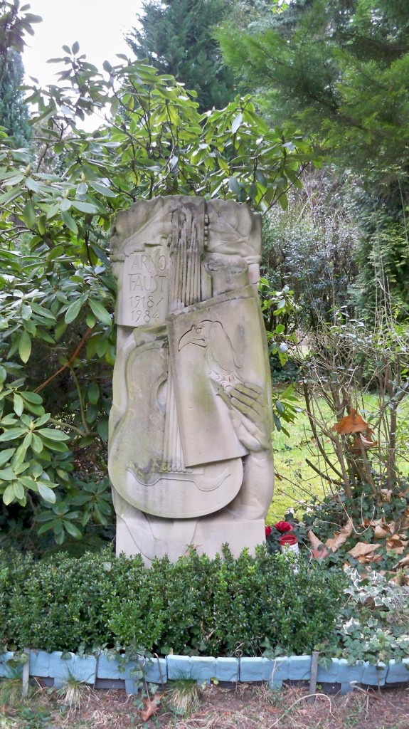 Grab eines Musikers auf Melaten Friedhof