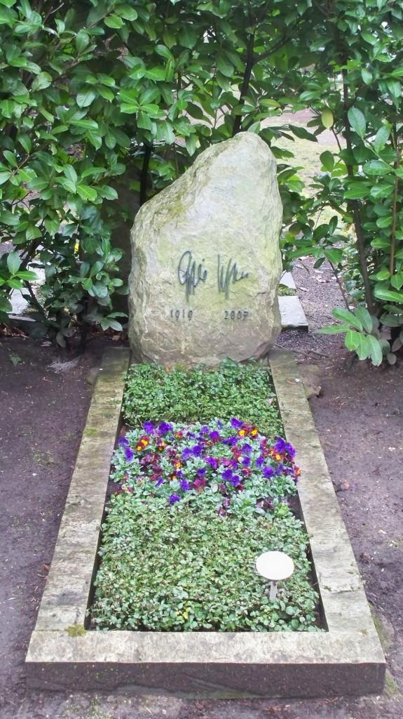 Grab von Gisela Uhlen auf Melaten Friedhof