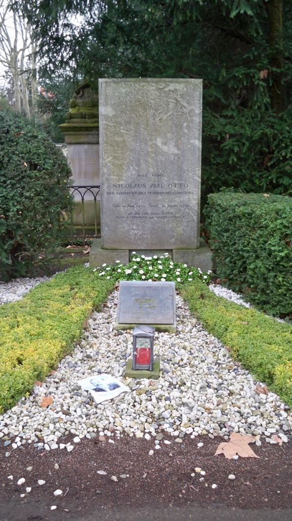 Grab von Nikolaus August Otto auf Melaten Friedhof