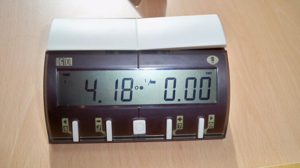 Digitale Schachuhr mit abgelaufener Zeit © 2015 Landesblog NRW