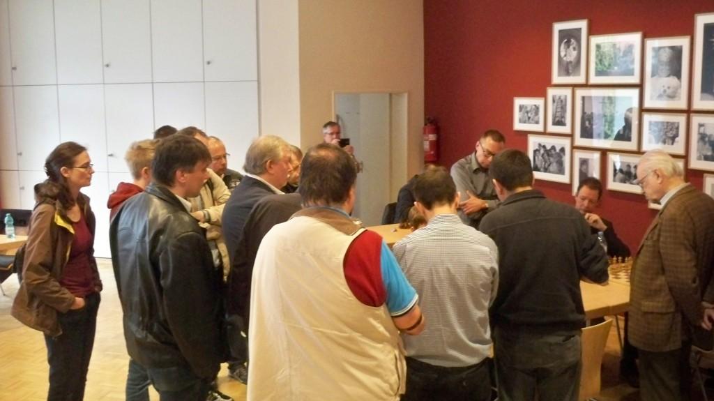 FIDE Meister und Großmeister mit Publikum © 2015 Landesblog NRW