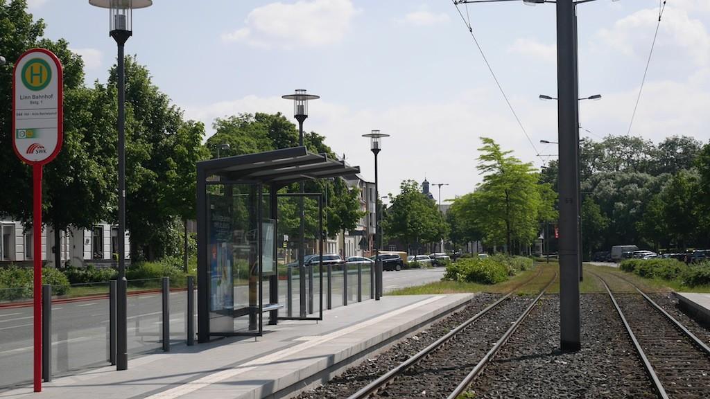 Haltestelle Linn Bahnhof in Krefeld © Landesblog NRW