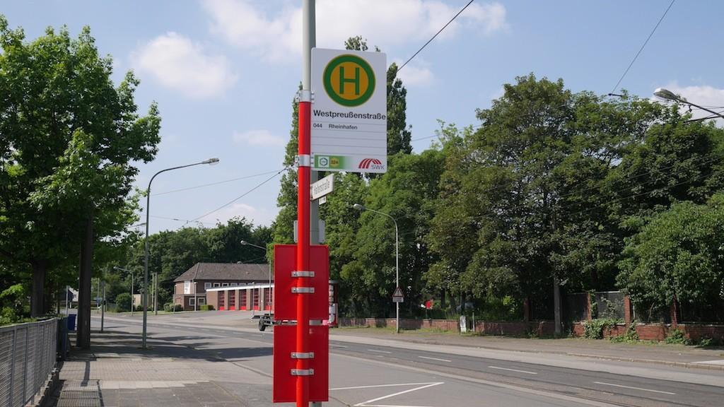 Haltestelle Westpreußenstraße in der Hafenstraße Krefelds