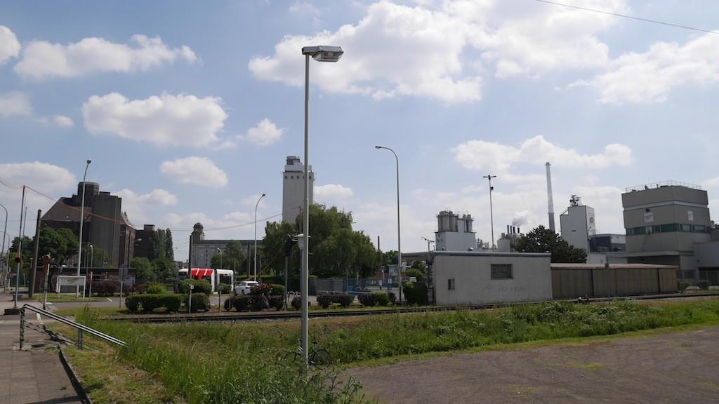 Industrieanlagen im Rheinhafen zu Krefeld