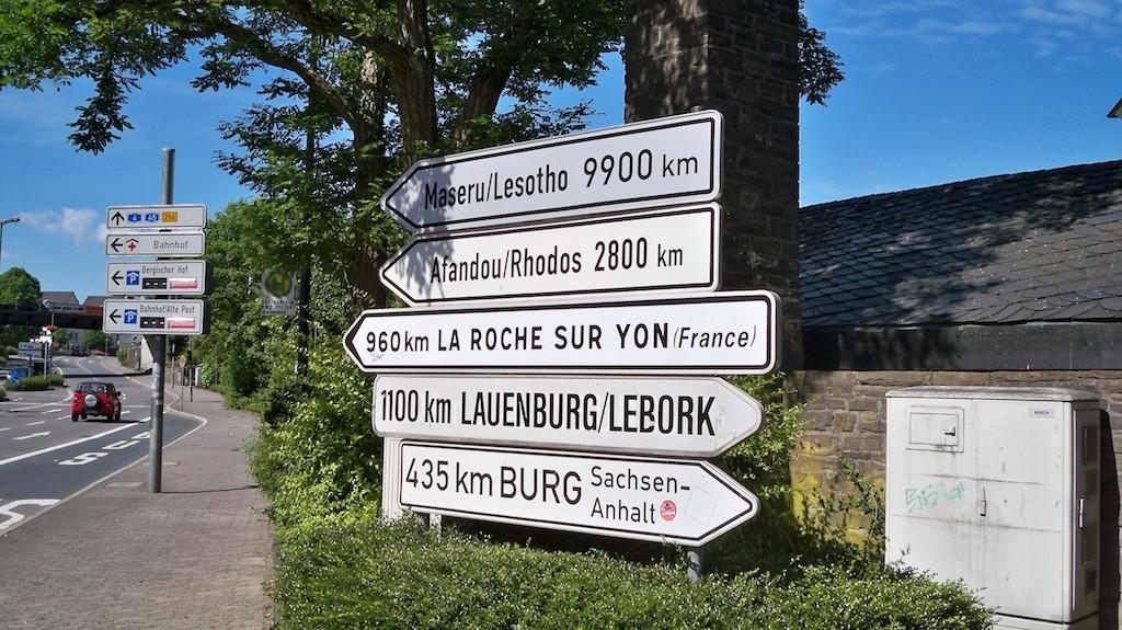 Wegweiser Städtepartnerschaften Gummersbach © Landesblog NRW