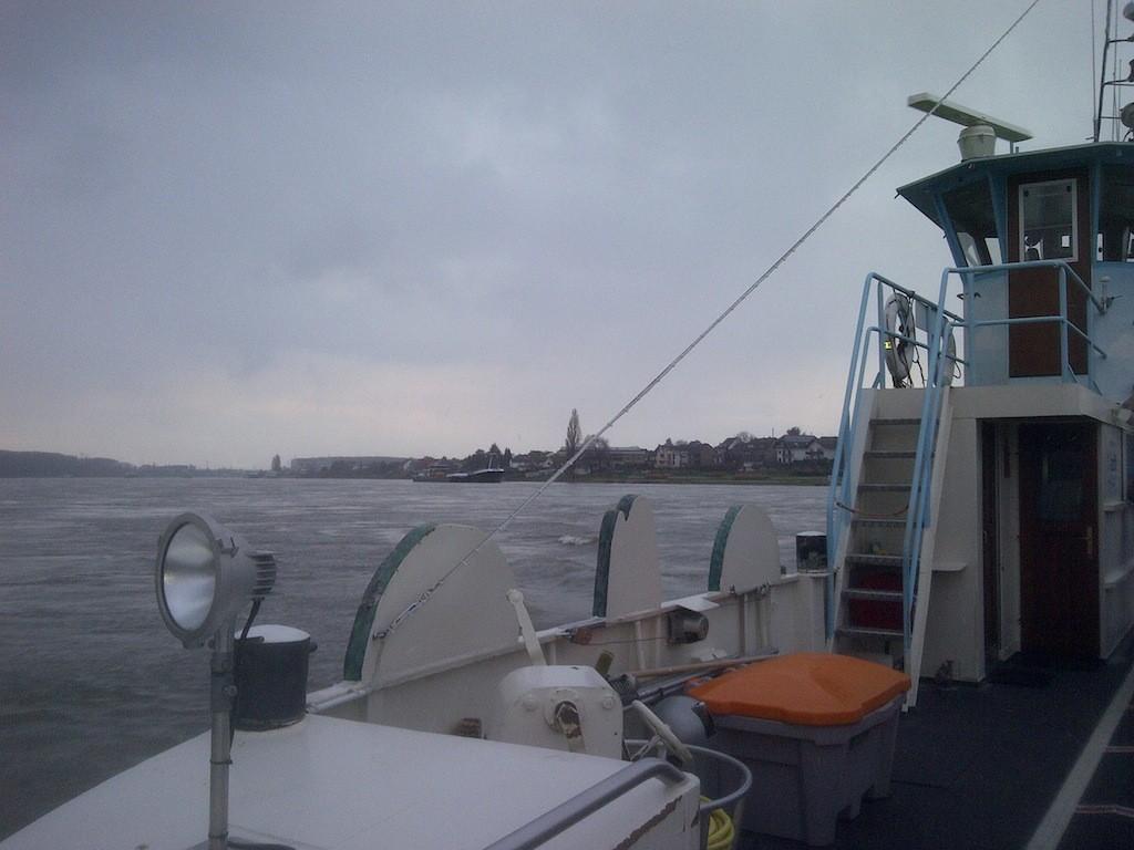 Auf der Mondorfer Rheinfähre während einer Überfahrt
