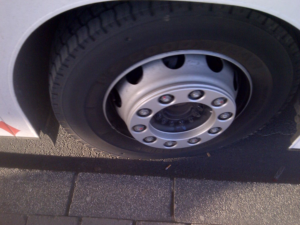 Rad und Reifen eines Bus © Landesblog NRW