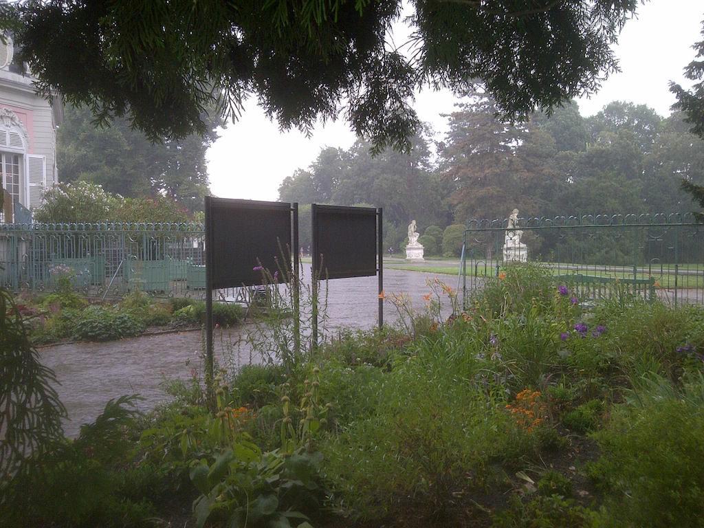 Benrather Schloss bei Regen