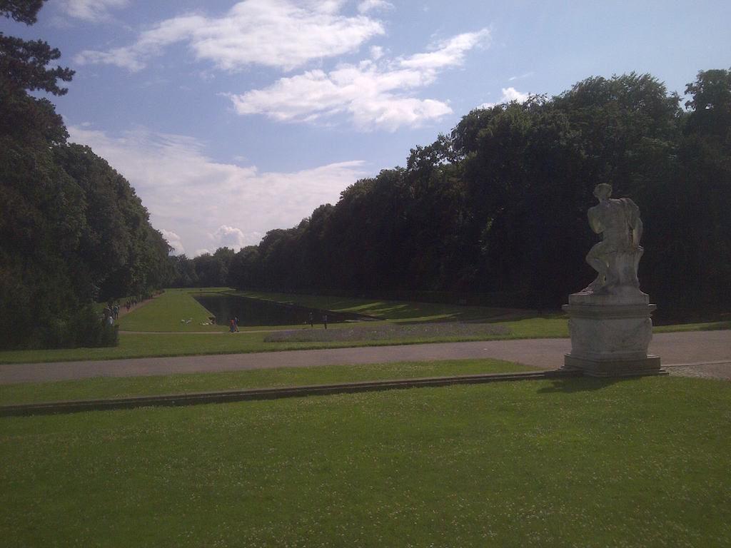 Schlossgarten bei Sonne