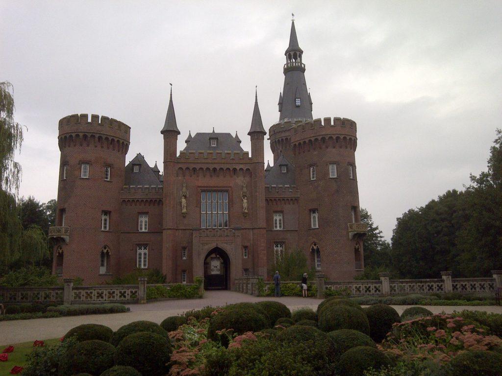 Schloss Moyland von vorne