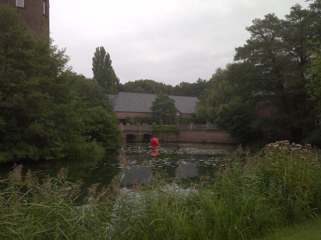 Wasserschloss mit Burggraben