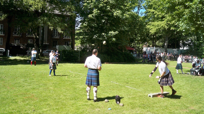Stone Put II bei den Highland Games in Kempen