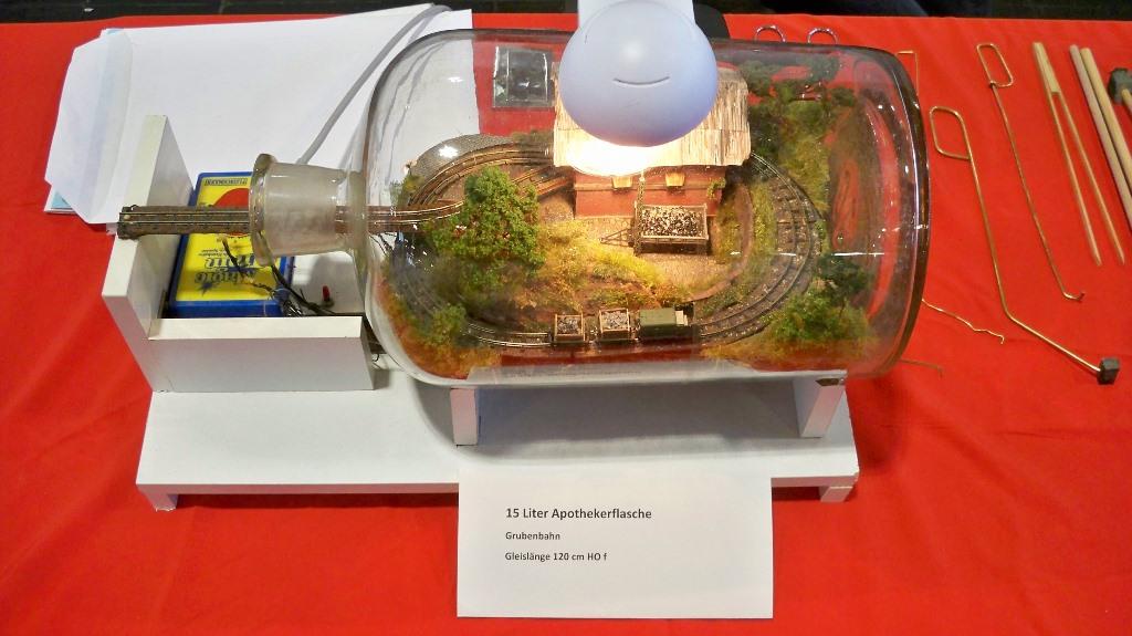 Eisenbahn unter Glas