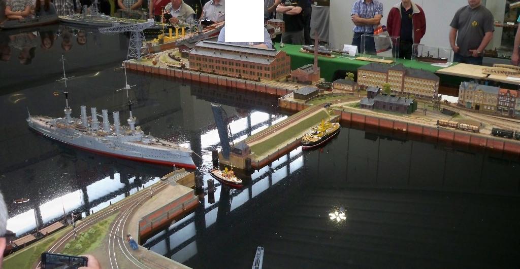 Modellschlepper in Aktion auf der Intermodellbau Dortmund