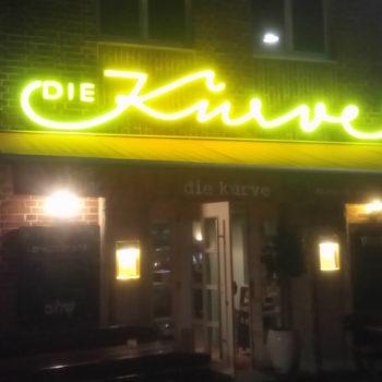 """Die Kurve"" in Düsseldorf am Dreieckplatz"