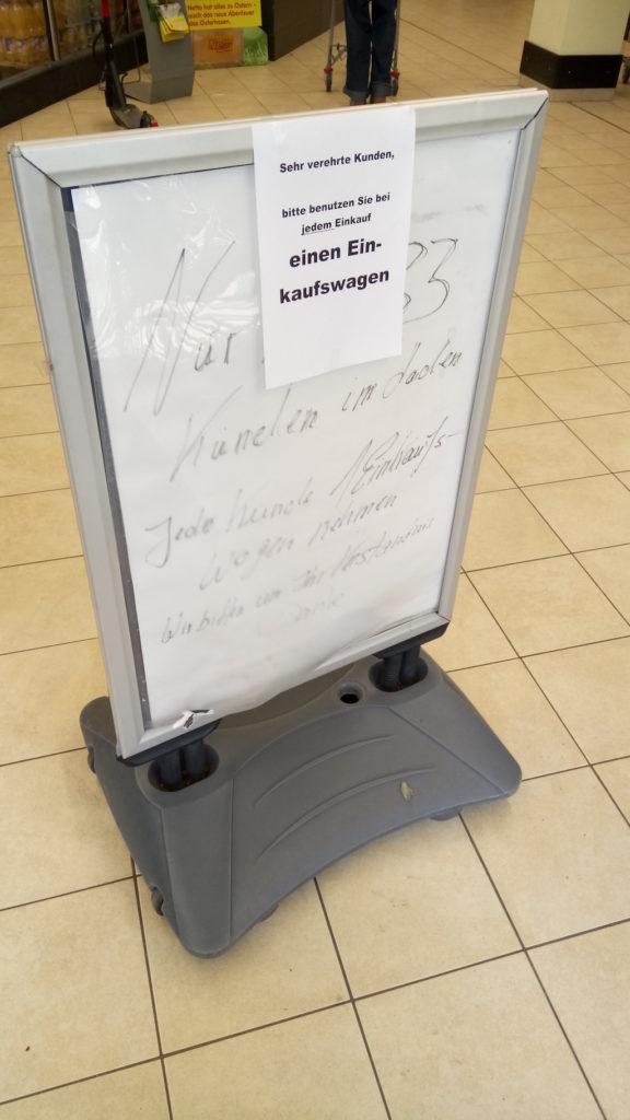 Einkaufswagenpflicht Schild